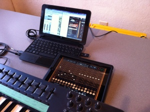 HP 210 / iPAD / Oxygen 49 Studio